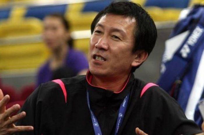 Pelatih bulu tangkis Jepang, Park Joo-bong.