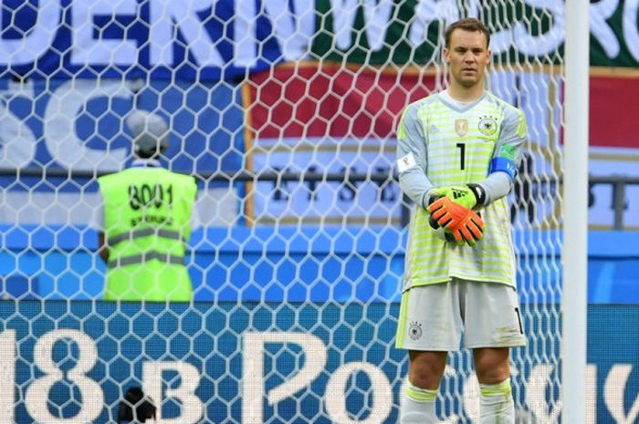 Ekspresi kiper Jerman, Manuel Neuer, seusai laga Grup F Piala Dunia 2018 kontra Korea Selatan di Kazan Arena, Kazan, Rusia pada 27 Juni 2018.