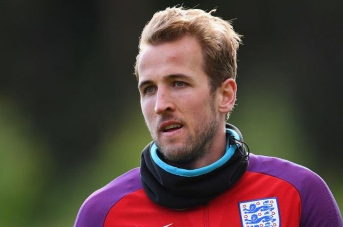 Harry Kane saat  menjalani sesi latihan timnas Inggris di St George's Park, 6 Juni 2017.