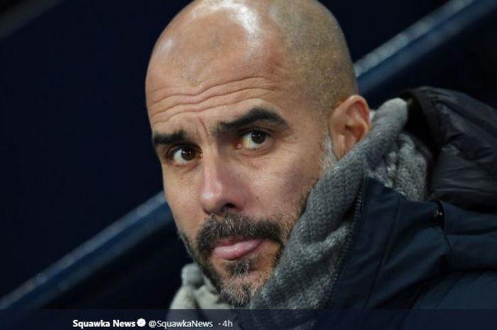 Pelatih Manchester City, Pep Guardiola, mengantar timnya melibas Burton Albion 9-0 pada duel Piala Liga Inggris di Stadion Etihad, Manchester, 9 Januari 2019.