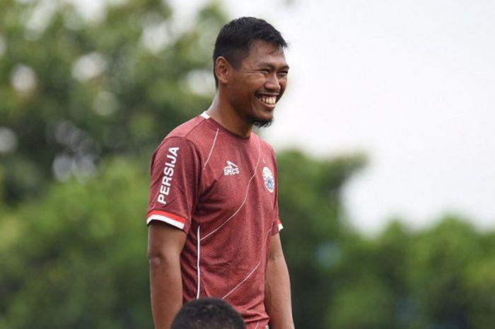 Eks pemain Persib Bandung, Tony Sucipto, resmi menjadi rekrutan anyar Persija Jakarta pada Jumat (18/1/2019).