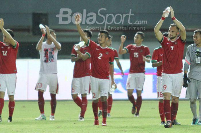 Kegembiraan skuat Timnas Indonesia saat mampu mengalahkan Timnas Guyana, Sabtu (25/11/2017)