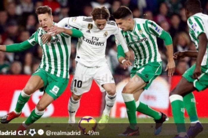 Laga Real Betis versus Real Madrid di Estadio Benito Villamarín, Minggu (13/1/2019).