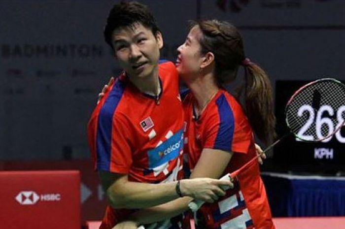 Ekspresi ganda campuran Malaysia, Goh Soon Huat/Shevon Jemie Lai, usai merebut gelar juara Singapore