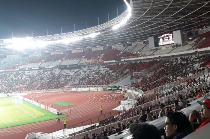 Suasana tribune selatan bagian bawah dan atas SUGBK saat Persija menjamu Borneo FC pada laga pekan keempat Liga 1 2018, Sabtu (14/4/2018).