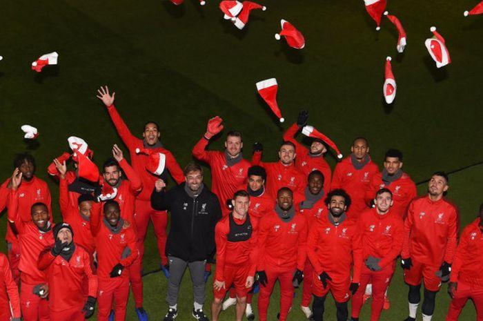 Skuat Liverpool saat menjalani sesi foto di Melwood dalam rangka memasuki masa liburan akhir tahun.