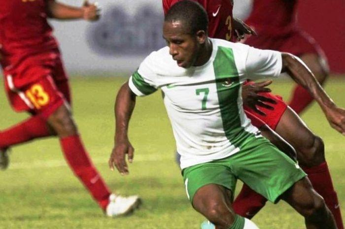Okto Maniani saat bermain untuk  tim nasional Indonesia.