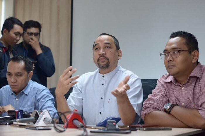 COO dan CEO PT Liga Indonesia Baru (LIB), Tigor Shalomboboy dan Risha Adi Wijaya di Kantor LIB, Menara Mandiri, Jakarta, Jumat (4/1/2019).