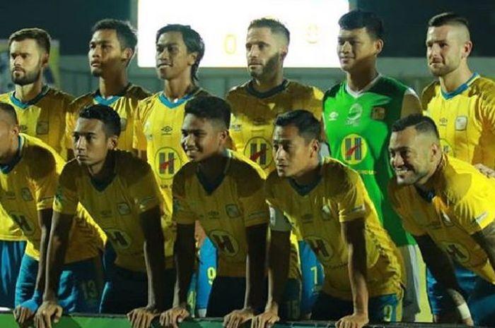 Skuat Barito Putera saat menjamu PS Tira pada pekan ke-29 Liga 1 2018 di Stadion 17 Mei, Banjar