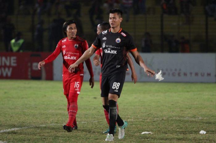 Kiper anyar Persija Jakarta, Shahar Ginanjar langsung jalani debut pada laga kontra Bhayangkara FC, di Stadion Sultan Agung, Bantul, Jumat (27/7/2018).
