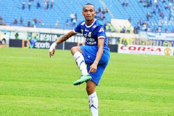 Ferdinand Sinaga saat masih bersama Persib Bandung.