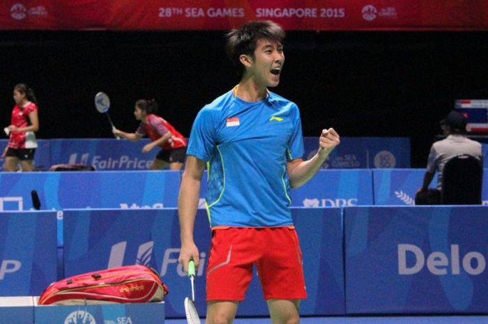 Pebulu tangkis tunggal putra Singapura, Loh Kean Yew, saat tampil pada Asian Games 2015 di negaranya.