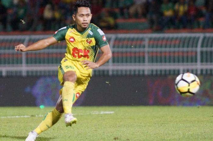 Aksi Winger Andik Vermansah bersama Kedah FA saat menjamu Kuala Lumpur FA pada pekan ke-16 Liga Super Malaysia 2018 di Stadion Darul Aman, Alor Setar, 20 Juni 2018.