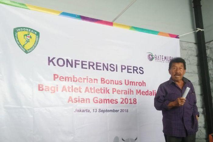 Ketua Umum PB PASI, Bob Hasan dalam acara Konferensi Pers Pemberian Bonus Umroh bagi Atlet Atletik Peraih Medali Asian Games 2018 pada Kamis (13/9/2018).