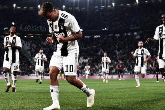 Striker Juventus, Paulo Dybala, meluapkan ekspresinya usai membpbol gawang Bologna di laga lanjutan Liga Italia Serie A yang berlangsung di Stadion Allianz, Turin, Italia, pada 27 September 2018.