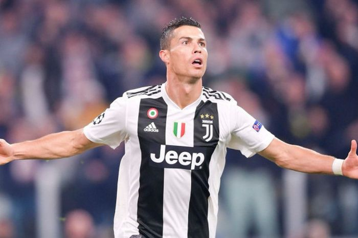 530 Koleksi Gambar Cristiano Ronaldo Di Juve HD Terbaik