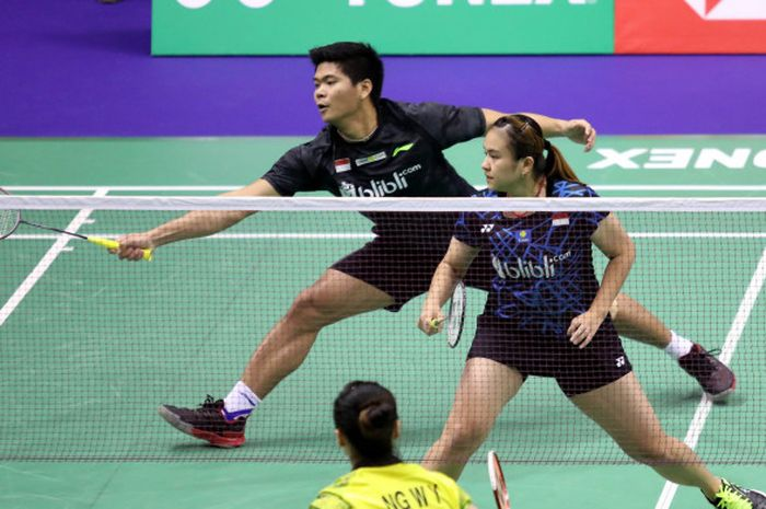 Pasangan ganda campuran Indonesia, Praveen Jordan/Melati Daeva Oktavianti, saat menjalani pertanding
