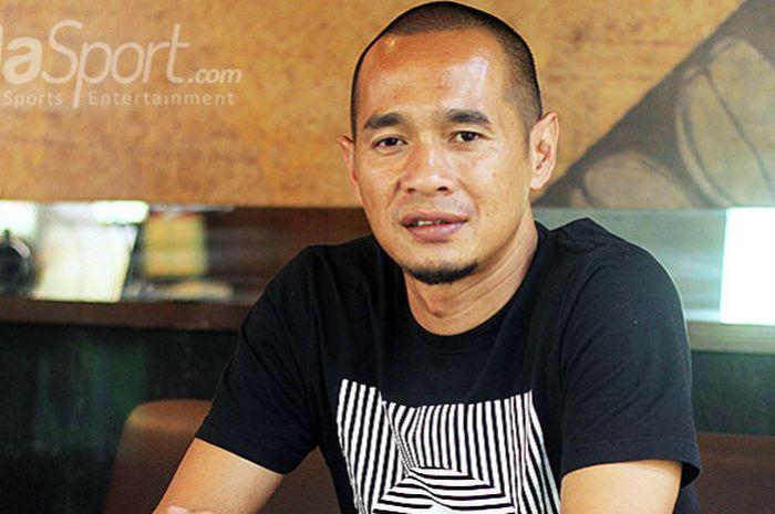 Striker legendaris Indonesia, Kurniawan Dwi Julianto.