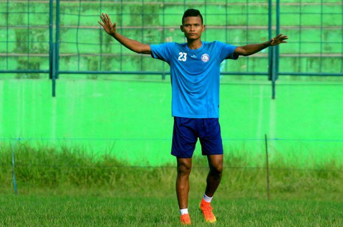 Bek Arema FC, Ikhfanul Alam.