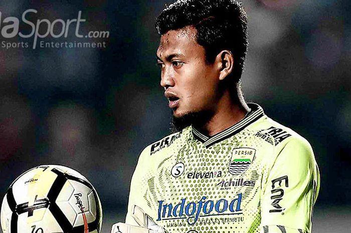 Penjaga gawang Persib Bandung, Muhammad Natshir.