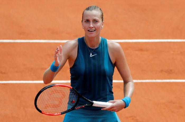 Petenis tunggal putri Republik Ceska, Petra Kvitova, melakukan selebrasi seusai mengalahkan Veronica