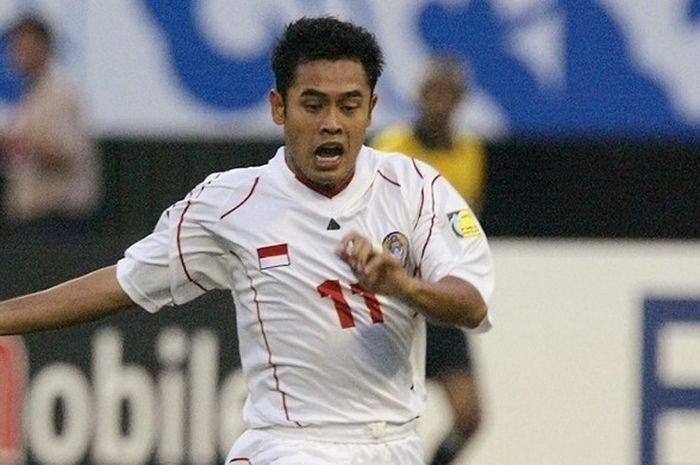 Ponaryo Astaman, bermain untuk timnas Indonesia.
