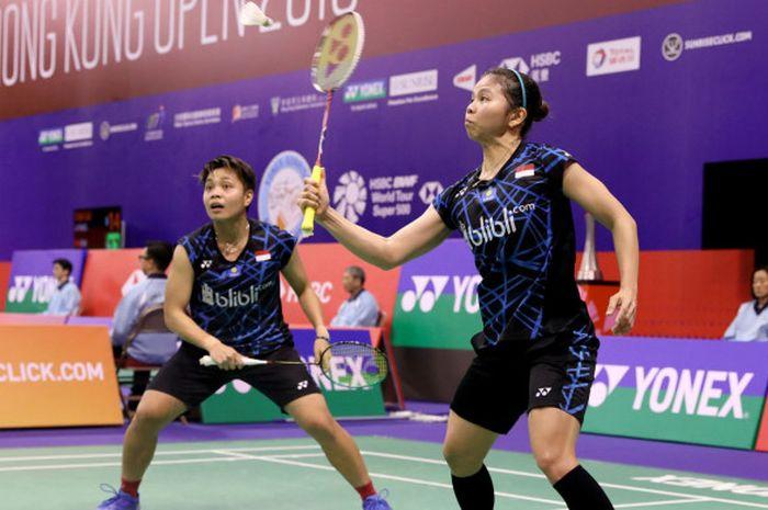 Ganda putri Indonesia, Greysia Polii/Apriyani Rahayu, saat tampil pada babak 16 besar Hong Kong Open 2018, Kamis (15/11/2018).