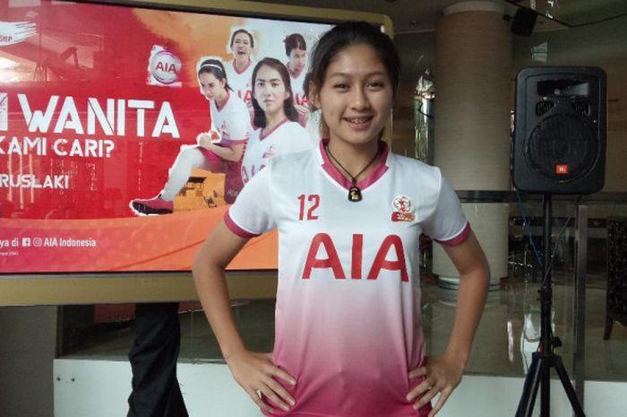 Gelandang timnas putri Indonesia, Zahra Muzdalifah, dalam acara AIA CHampionship for Women di kawasan Kuningan, Jakarta, Selasa (2/10/2018)