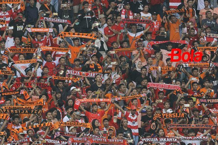 Suporter fanatik Persija  Jakarta siap memenuhi Stadion Utama GBK, Jakarta, saat menjamu Mitra Kukar, Minggu (9/12/2018) pukul 15.30 WIB.