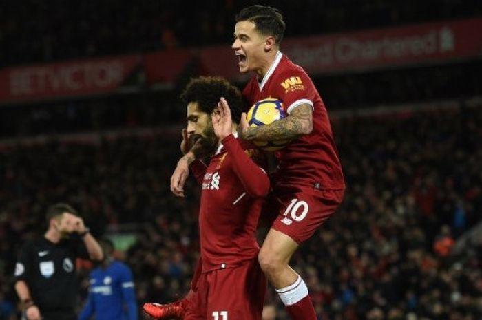 Reaksi Mohamed Salah (kiri) usai mencetak gol ke gawang Chelsea dalam laga lanjutan Liga Inggris di Stadion Anfield, Minggu (26/11/2017) dini hari WIB.