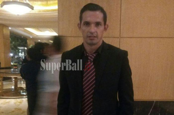 Pemain asing Perseru Serui asal Paraguay, Silvio Escobar, saat menghadiri acara Awarding Night Liga