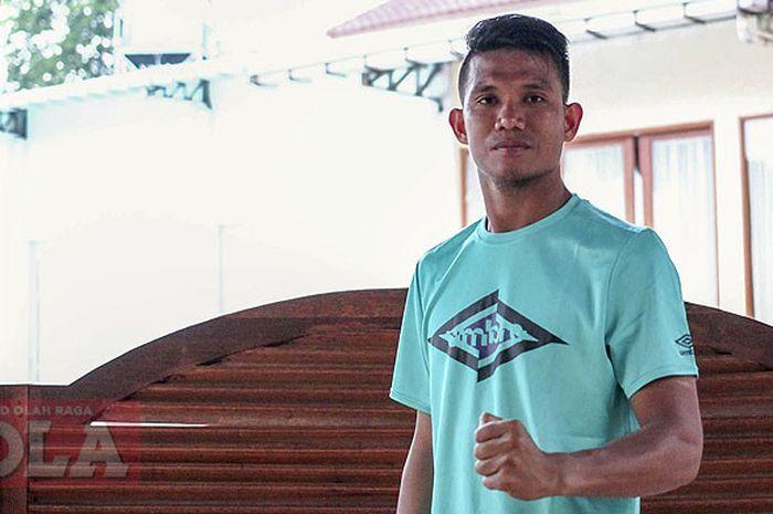 Gelandang Persija Jakarta, Sandi Sute saat ditemui di Klub Persada Ekskutif, Halim Jakarta Timur, Rabu(3/10/2018).