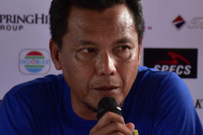 Pelatih kiper Persib Bandung, Anwar Sanusi, meminta penurusnya selalu menikmati proses.