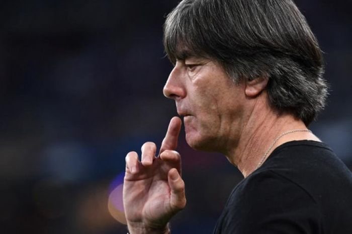 Reaksi pelatih timnas Jerman, Joachim Loew, dalam partai UEFA Nations League lawan Prancis di Stade