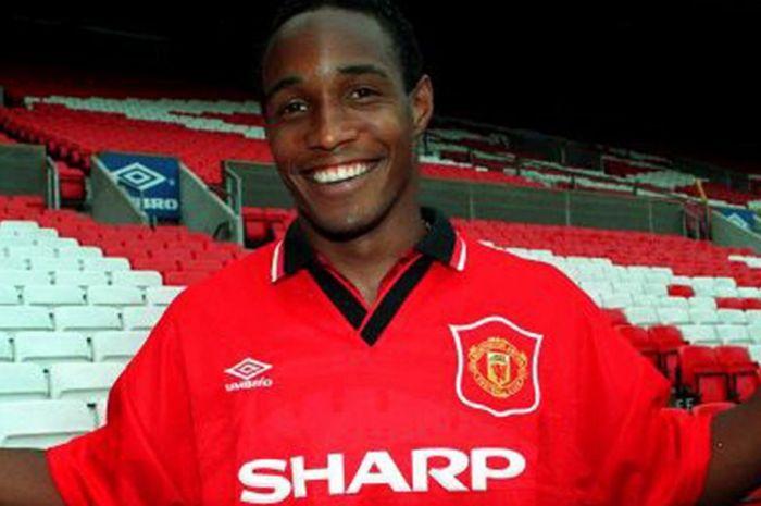 Legenda Manchester United: Paul Pogba Pasti Ditendang Sir Alex Ferguson -  Bolasport.com