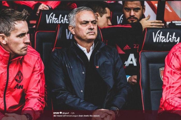 Jose Mourinho mendampingi Manchester united saat bertandang ke markas Bournemouth, Vitality Stadium, pada pekan ke-11 Liga Inggris 2018-2019, Sbatu (3/11/2018)
