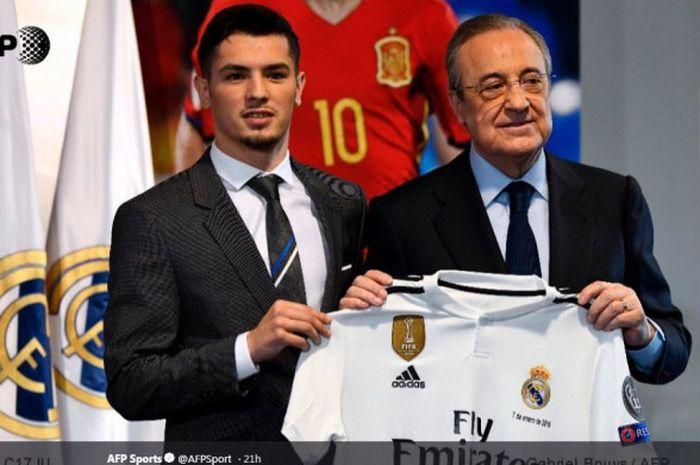 Brahim Diaz (kiri) saat diperkenalkan sebagai pemain baru Real Madrid usai direkrut dari Manchester  City