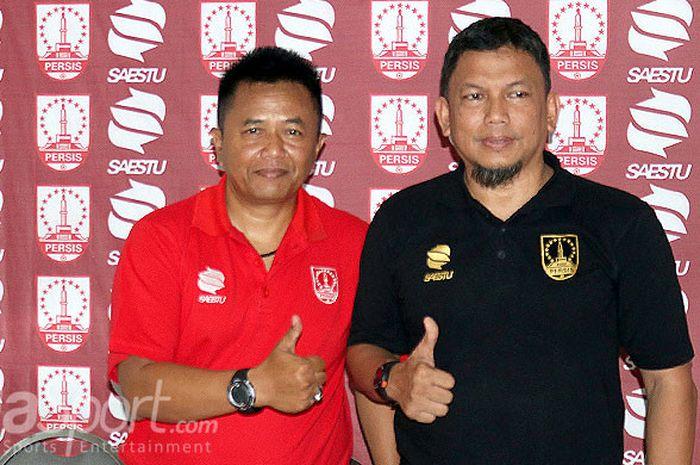 Pelatih anyar Persis Solo, Agus Yuwono (kiri) diperkenalkan manajemen kepada awak media di Kantor PT Persis Solo Saestu, Solo, Rabu (15/8/2018).