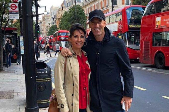 Zinedine Zidane dan Veronique berlibur di London, Inggris