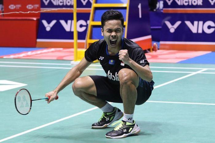 Pebulu tangkis tunggal putra Indonesia, Anthony Sinisuka Ginting, melakukan selebrasi.