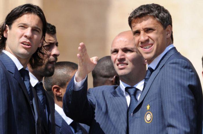 Santiago Solari (kiri) saat menghadiri acara di St Peter Square, Vatikan, 7 Mei 2008.