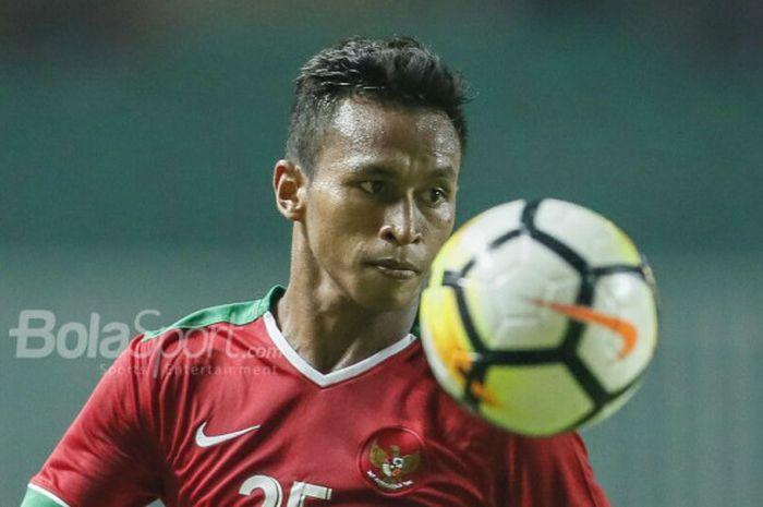 Pemain Timnas U-23 Indonesia, Osvaldo Haay, beraksi pada laga PSSI Anniversary Cup 2018 kontra Bahrain