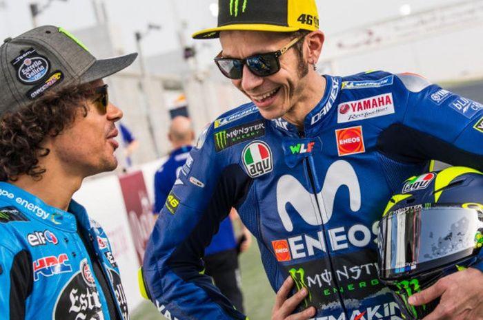Franco Morbidelli dan Valentino Rossi saat MotoGP Belanda.