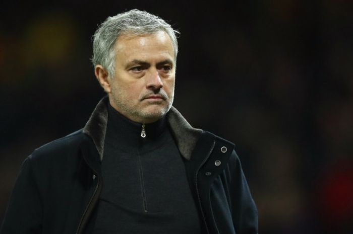 Ekspresi manajer Manchester United, Jose Mourinho, dalam laga leg kedua babak 16 besar Liga Champions 2017-2018 menghadapi Sevilla di Stadion Old Trafford, Manchester, Inggris, pada 13 Maret 2018.
