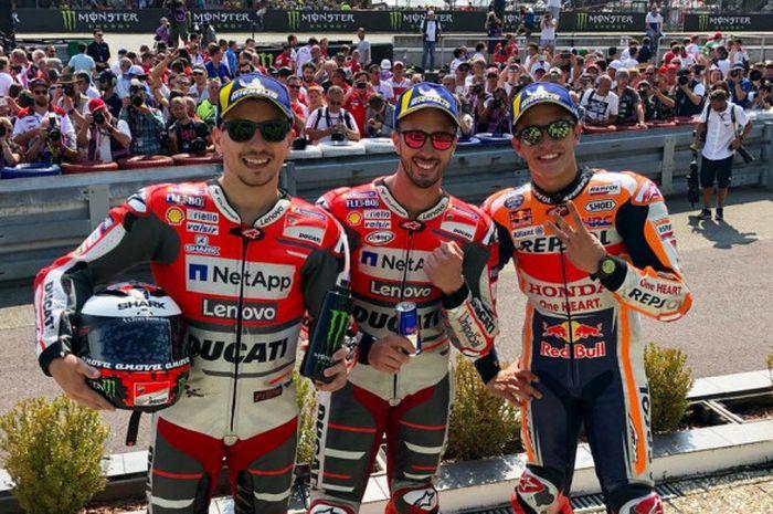 Andrea Dovizioso, Jorge Lorenzo, dan Marc Marquez merayakan podium MotoGP Rep Ceska di Automotodrom Brno, Rep Ceska, Minggu (5/8/2018).