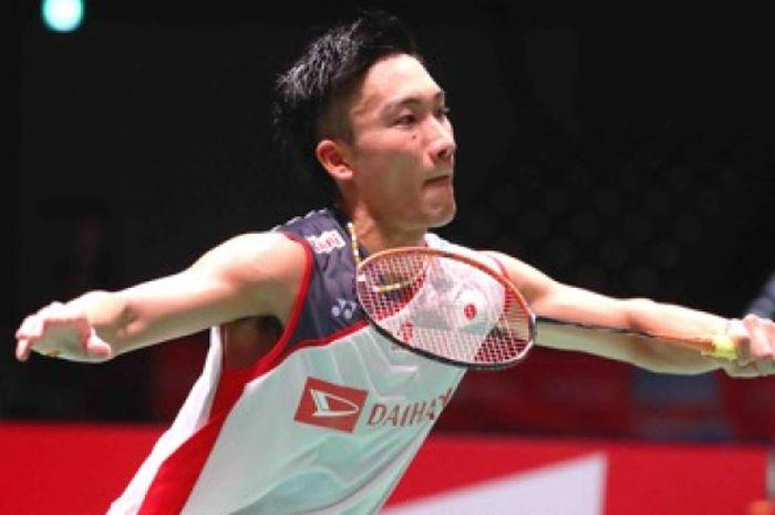 Kento Momota (Jepang) ketika tampil di babak 32 besar Japan Open 2018, Selasa (11/9/2018), di Musashino Forest Sport Plaza, Tokyo.