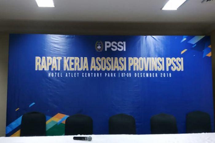 PSSI menggelar Rapat Kerja Asosiasi Provinsi (Asprov), di Hotel Atlet Century, Jakarta, Sabtu (8/12/