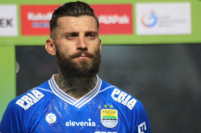 Bek Persib asal Serbia, Bojan Malisic sesaat sebelum menghadapi Bhayangkara FC (31/5/2018)