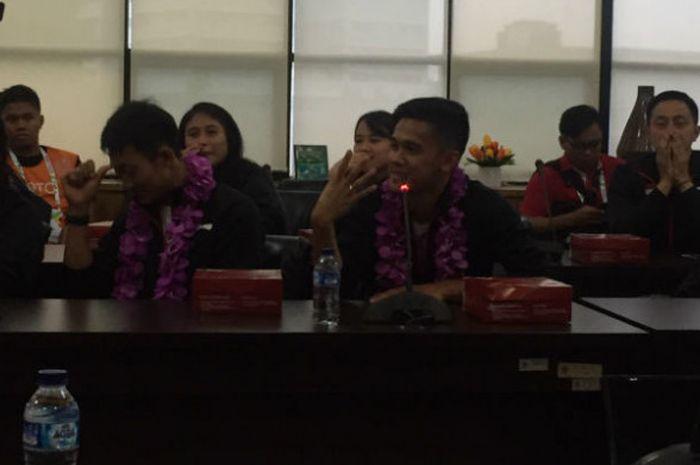 Atlet bulu tangkis Indonesia, Firman Abdul Kholik, saat berbicara di kantor Kementerian Pemuda dan Olahraga, Senin (12/2/2018).