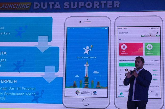 Pengembang aplikasi Duta Suporter Indonesia, Enda Nasution, memberi penjelasan pada peluncuran di Jakarta, Selasa (10/7/2018).